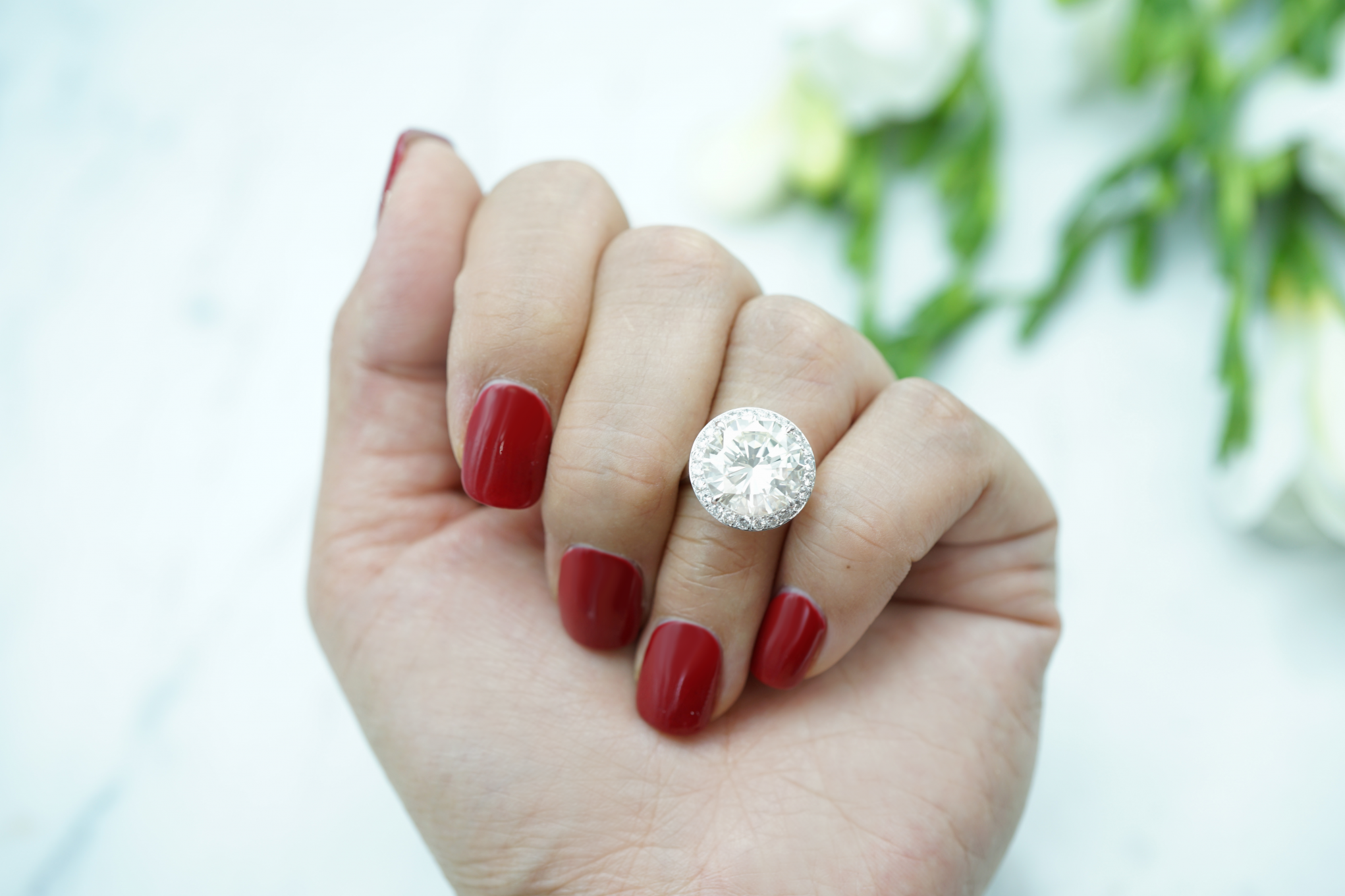 Diamond Engagement Rings - Round Cut Diamond Engagement Rings in Melbourne